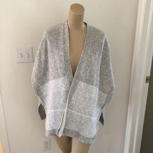 💙 banana republic gray cape shawl